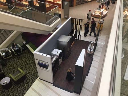 LG SIGNATURE Launches Mall Tour
