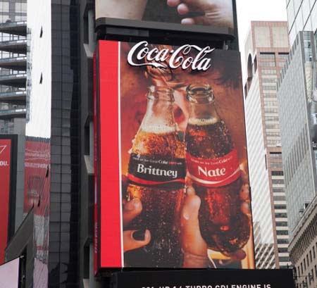 Coca-Cola Celebrates World's First 3D Robotic Sign In Times Square