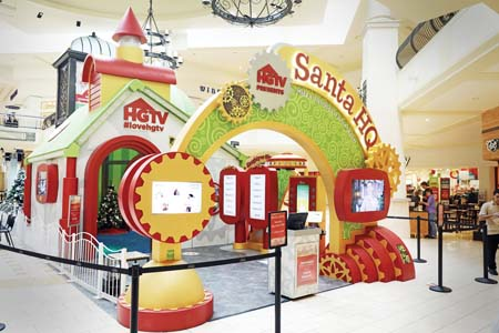 HGTV's 'Santa HQ' Experience Brings  Festive Family Fun To  Macerich Malls